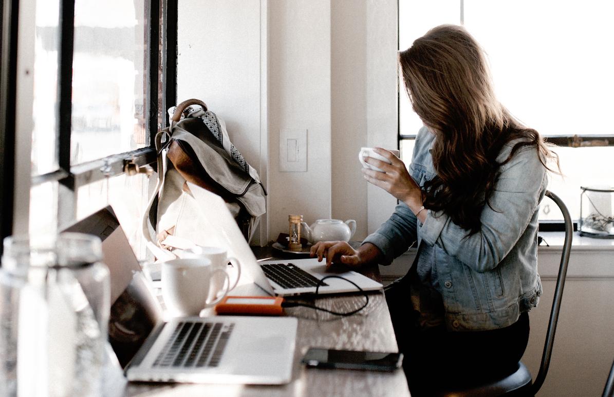 Mit LinkedIn auf Jobsuche? 10 Tipps für Berufseinsteiger